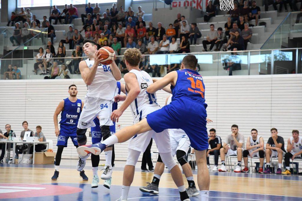 Basketball Löwen Einblicke Korbangriff