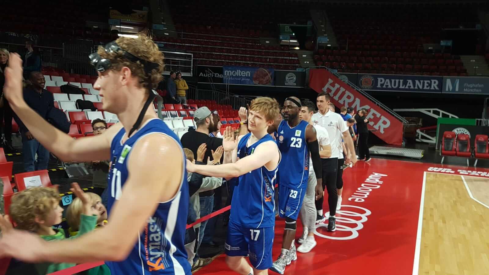 Basketball Löwen siegen gegen FC Bayern Basketball II