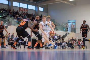 Basketball Löwen Vs wiha Panthers Schwenningen